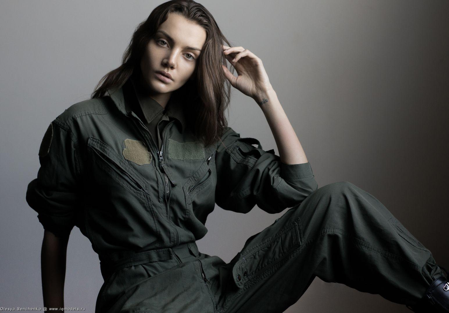 Irina Shnitman at London FW Fall 2018 - IQ Models Agency
