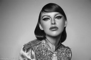 Elena Kantaria's Romantic Portraits